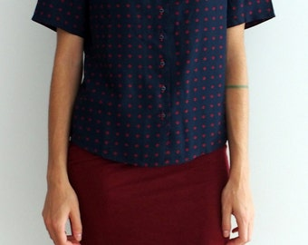 Dark blue blouse, summer shirt with red embroidery details, loose fit. Ideal for everyday use.