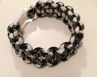 Black & White Paracord Bracelet