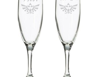 Video Game Wedding - Geeky Toasting glasses  - Nerdy Champagne Flutes - Personalized wedding flutes - Gamer Wedding gift - Video Game Decor