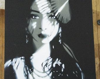 La Femme Exotique in Monochrome