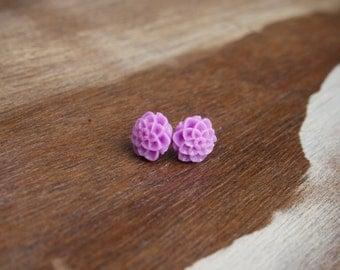 Lilac Chrysanthemum Stud Earrings.