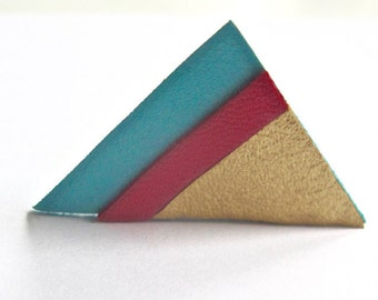 Brooch leather triangle sky blue, pink and gold