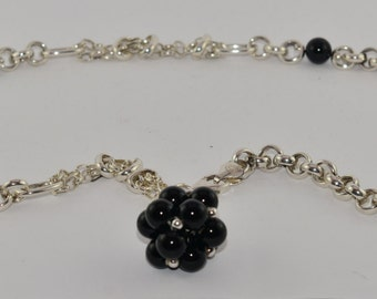 """Vintage Estate Sterling Silver Rolo Chain Necklace Black Glass Beads Cluster Pendant  925 49 gr 21.7"""" / 55 cm Jewelry Jewellery For Her"""