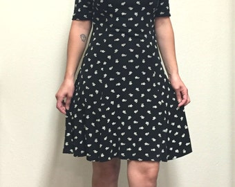 Nineties Stretchy LBD with High Collar
