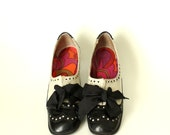 1960s oxford brogues pumps with Pucci style lining . black & white leather, made in Spain . kitten heel, low heel size 6.5 S