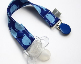 Pacifier clip - snap - enamel clip - whale - blue - navy blue - ocean-cotton fabric - baby boy - baby girl - baby gift - baby shower - dummy