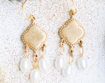 Fresh Water Pearls Chandelier Earrings, Pearl wedding Earrings, Pearl Chandeliers, Little Pearl Earrings