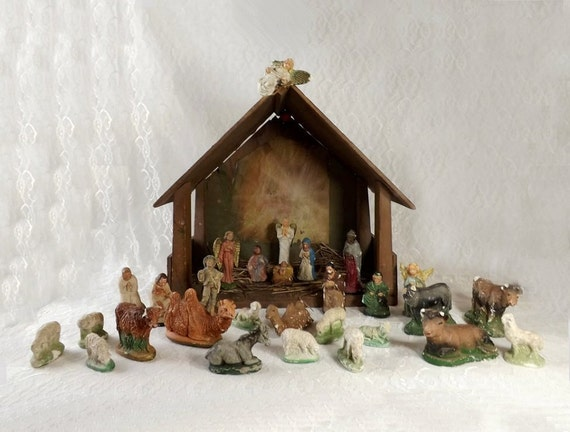 Vintage Nativity Set 30 Pc Chippy Chalkware With Lighted Wood