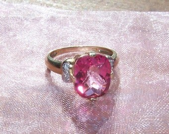 Ring, Bubblegum Pink, 10kt Gold, White Topaz