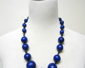 MELISSA . blue wooden beads necklace