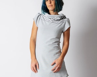 Short-sleeved tunic, White and black jersey tunic, wide cowl and short gathered sleeves, sz UK10 to 12
