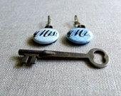 Mr and Mrs Keychain, Set of 2 Calligraphy Key Chains, Zipper Pull Charm (04)