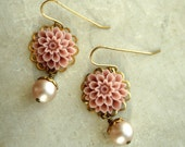 Flower Earrings, Lavender Pink and Beige Pearl