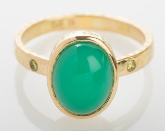 18K Gold Chrysoprase and Yellow Diamonds Ring, Engagement, Green,cabochon,solitaire