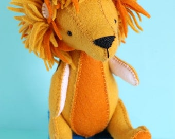 L is for Lion : Lion sewing pattern, lion PDF pattern, hand sewing pattern, felt lion, lion toy, lion plush, easy sewing pattern,