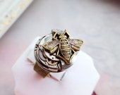 Steampunk ring, bee ring, steampunk bee jewelry, honey bee statement ring, brass adjustable ring, cocktail ring, bug jewelry, insect ring