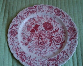 Taylor Smith Taylor Garland Bread & Butter Plate Center Bouquet-Red Fairway Shape Red White Spring Flowers Roses Flower Bouquet Discontinued