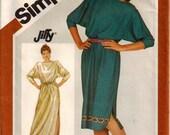 80's Pullover Dress in Two Lengths Boat Neckline Elastic Waist Side Slit Bracelet Length Sleeves Plus Sizes 16-20 Bust 38-42 Simplicity 6206