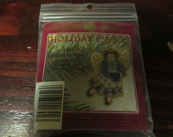 Mill Hill Beaded Holiday Pins Heavenly Angel Pin Kit H92