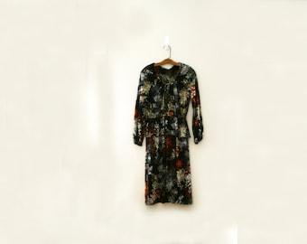 vintage 70s Leaves & Butterflies Print Polyester Ladies Long Sleeve Peplum Skirt Dress - S M
