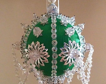 Satin beaded Christmas ornament kit - Icy Emerald