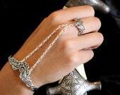Silver Slave Bracelet Arabesque Cascade Panja Bracelet Crown Ring Silver Chain Bracelet Crown Jewelry Boho Jewelry Victorian Jewelry Cuff
