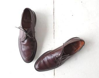 Vintage 1950s Shoes / Men's Oxfords / Brown Leather Shoes / Size 10