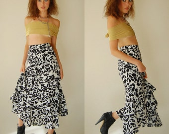 Graphic Skirt Vintage Black and White Abstract Graphic High Waist Indie Boho Skirt (s)