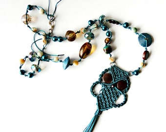 Micro Macrame Macrame Owl Pendant Necklace - Teal - Updated Hippie Chic - 1970's Retro - Kitsch - Macrame Owl