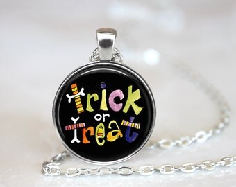 """Trick or Treat Changeable Magnetic 1"""" Pendant Necklace with Organza Bag"""