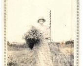 vintage photo Roaring 20s Gal Woman Wild Flowers Bouquet snapshot