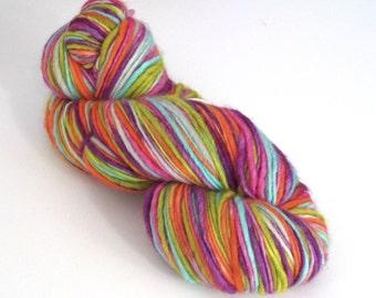 Hand dyed wool yarn. 250g Corriedale slub, thick 'n' thin. 'Tizzy' wool yarn for knitting, crochet, felting, dreadlocks, dreading.