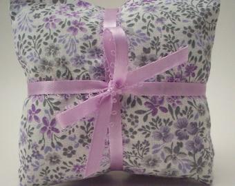 Lavender Sachets - Delicate Flowers Print Lavendar Drawer Freshener - Aromatherapy Bags - Shower Favor - Hostess Gift