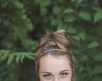Thin Gold Headband. Brass Headband. Thin Wire Headband. Classic Hair Accessory. Gold Headband. Boho Bridal. Modern. Miniamal. Gift for Her.