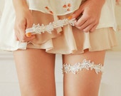 Pearl lace wedding garter, pearl bridal garter, peach ivory wedding garter set - style 499