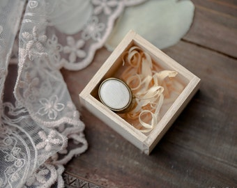 White statement ring - White tulip petal ring - White ring - Oval cocktail ring - Bloom Collection by beautyspot  (R077)