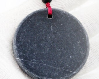 Overall well-being (unisex) necklace - dragin vein agate and stone needle
