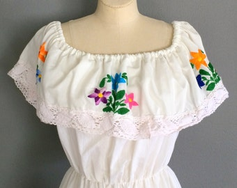 Vintage Mexican Dress Bohemian Dress Embroidered Dress White Dress Summer Fashion Boho Fashion Handmade Mexican Dress Gift for Her Floral