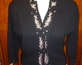 Vintage Wool-Angora Embrodiery Sweater, 1940-50s, fitted