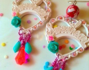 Kawaii Sweetheart Earrings - Kawaii Jewelry - Plastic Jewelry - Pastel Jewelry - Kitsch Jewelry - Vintage Jewelry - Heart Earrings - Bunny E