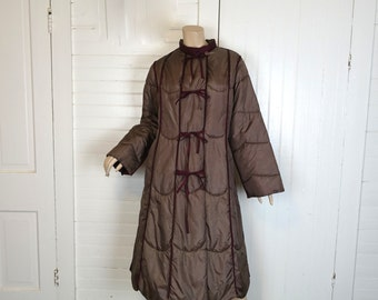 80s Puffy Coat in Taupe & Burgundy- 1980s Reversible Quilted Swing Coat- Medium