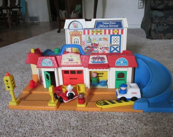 Fisher Price Main Street with Accessories 1986