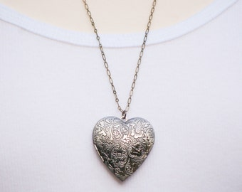 Heart Locket Pendant Silver Floral Locket Necklace Vintage Style Gift Photo Locket Romantic Mother's Day Jewelry LOVE