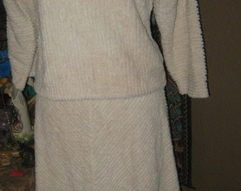 1960 Vintage wide wale terry cloth 2 pc suit natural-off white warm cuddly by college town 10 M