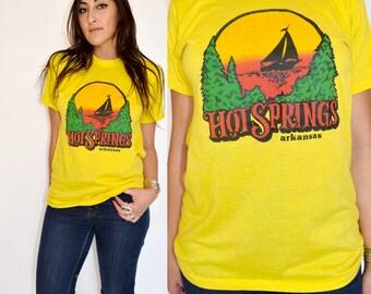 Vintage 70s HOT SPRINGS ARKANSAS Screen Stars 50 50 Cotton Poly Blend  Tee Tshirt S M