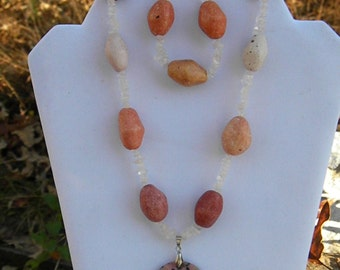 REDUCED* DC 19  Pink Stone set