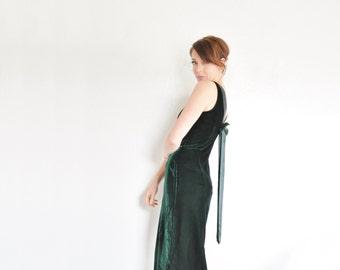 green velvet gown with bow back . je suis jalouse . dark forest hunter green .medium