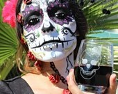 Laser Etched,Sugar Skull,Wine Glass,Flask,or Pint Glass for Halloween,Day of the Dead,Skull Skeleton Drinking Glasses,Halloween Party Decor