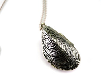 Nautical Mussel Shell Locket, Nautical Antique Pendant, Long Shell Necklace, Large Silver Locket, Long Silver Chain, Recycled Jewelry