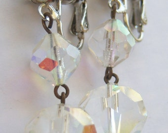 vintage clear dangle beads hung on silver tone chain clip on earrings 315A